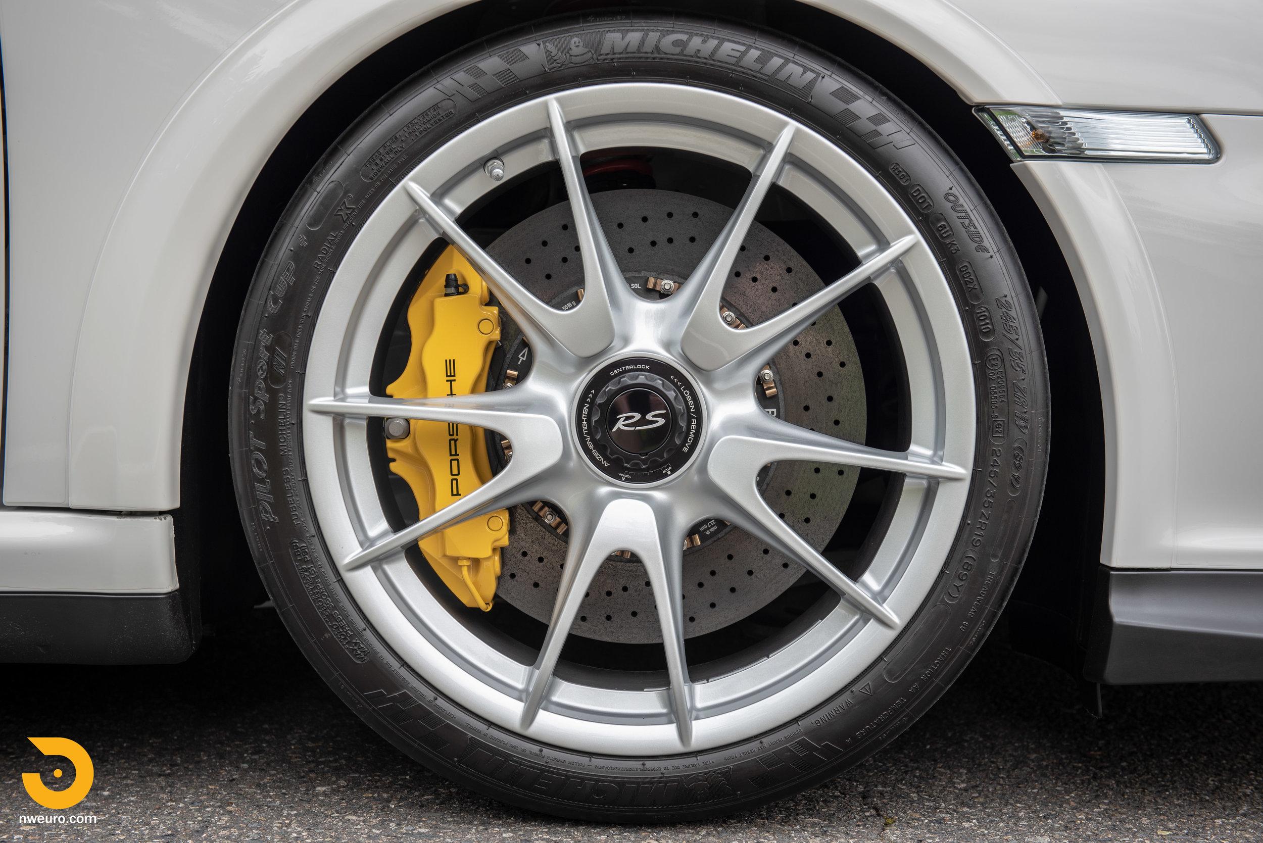 2011 Porsche GT3 RS-26.jpg