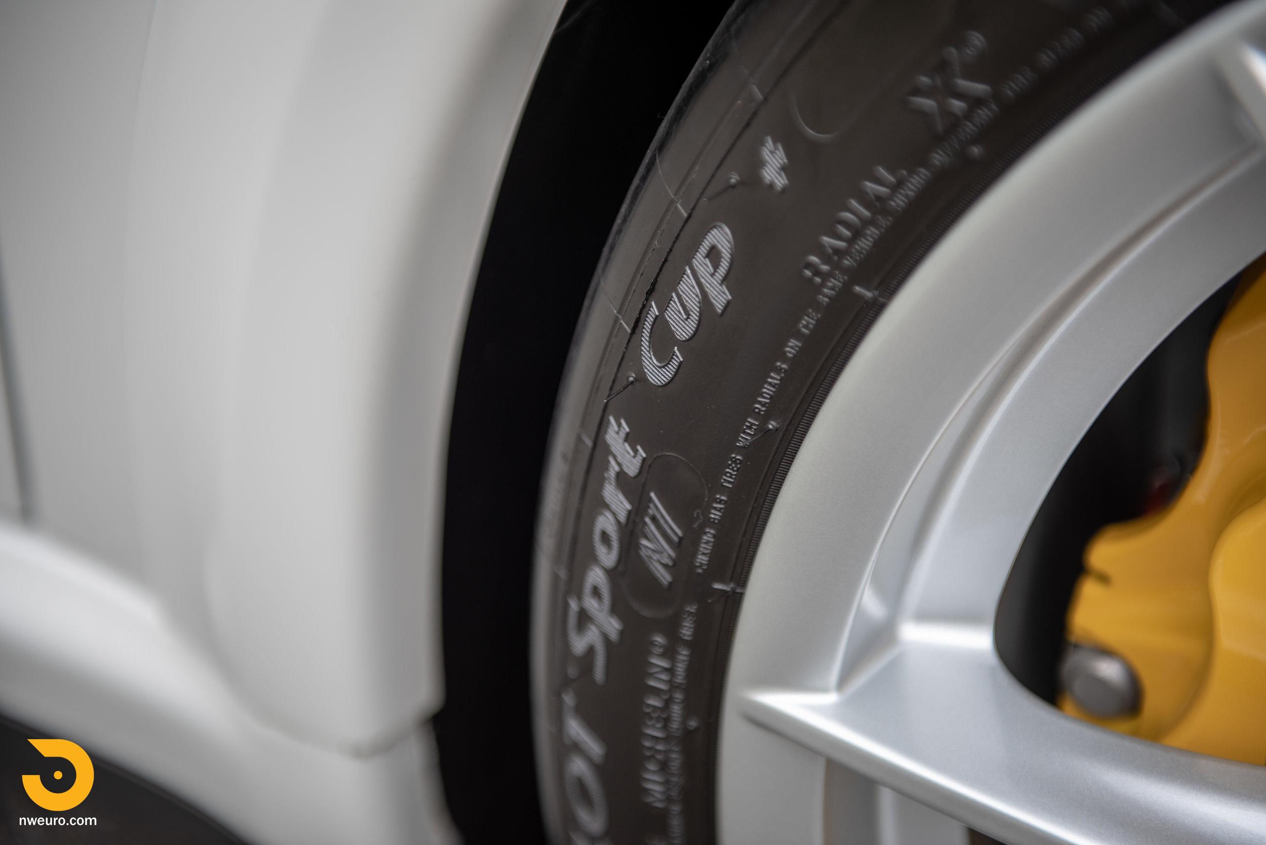 2011 Porsche GT3 RS-30.jpg