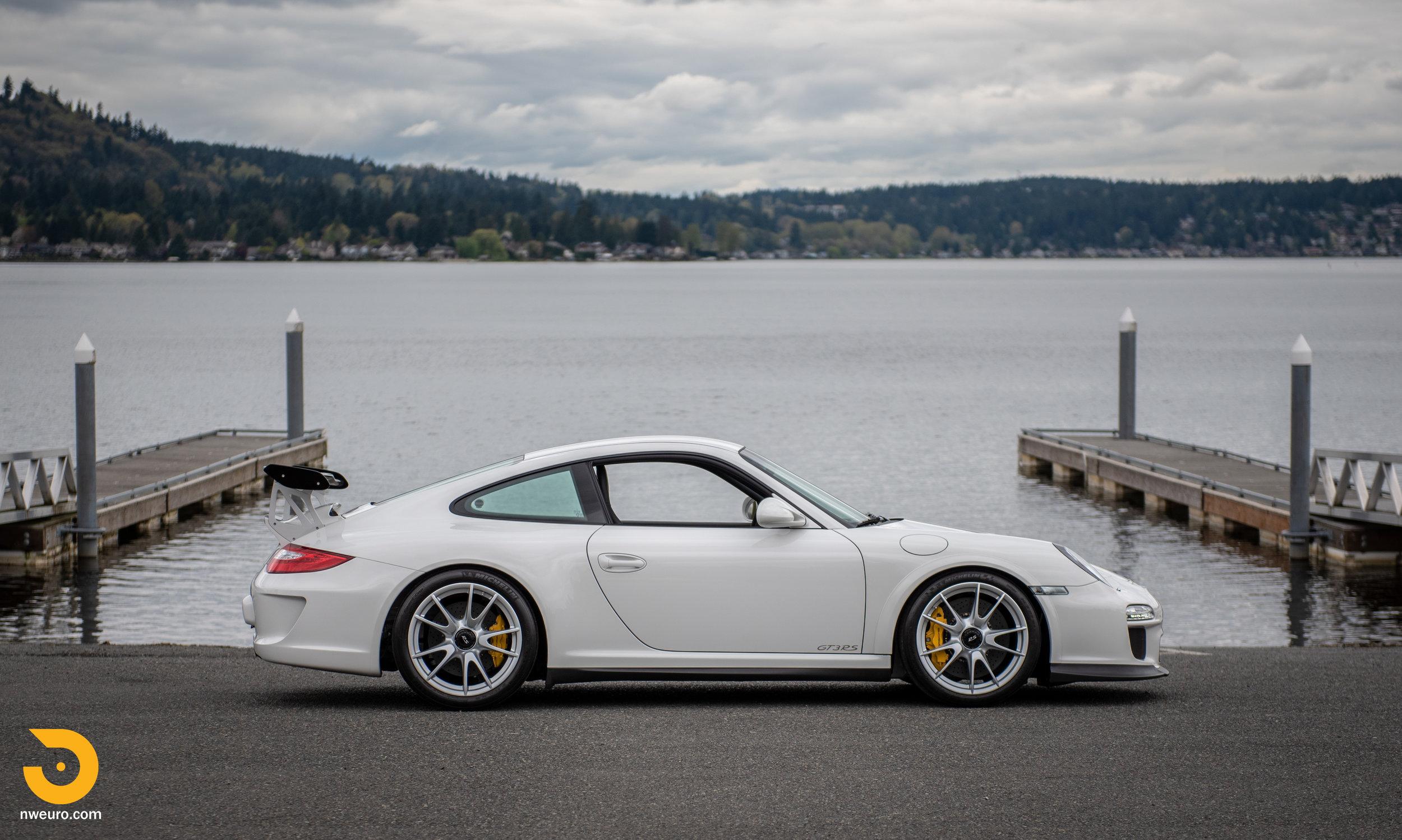 2011 Porsche GT3 RS-40.jpg