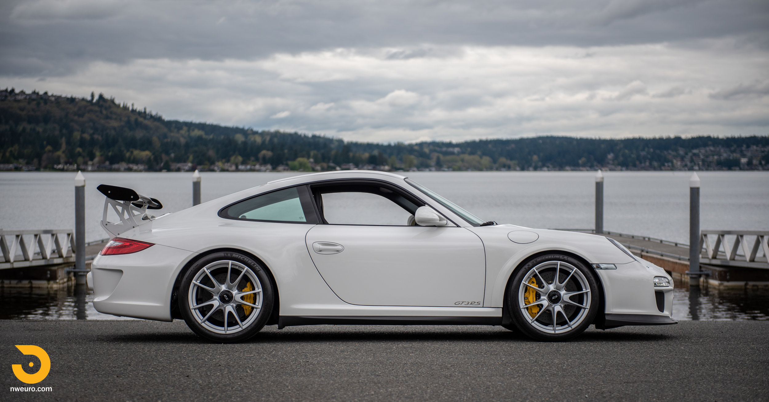 2011 Porsche GT3 RS-41.jpg
