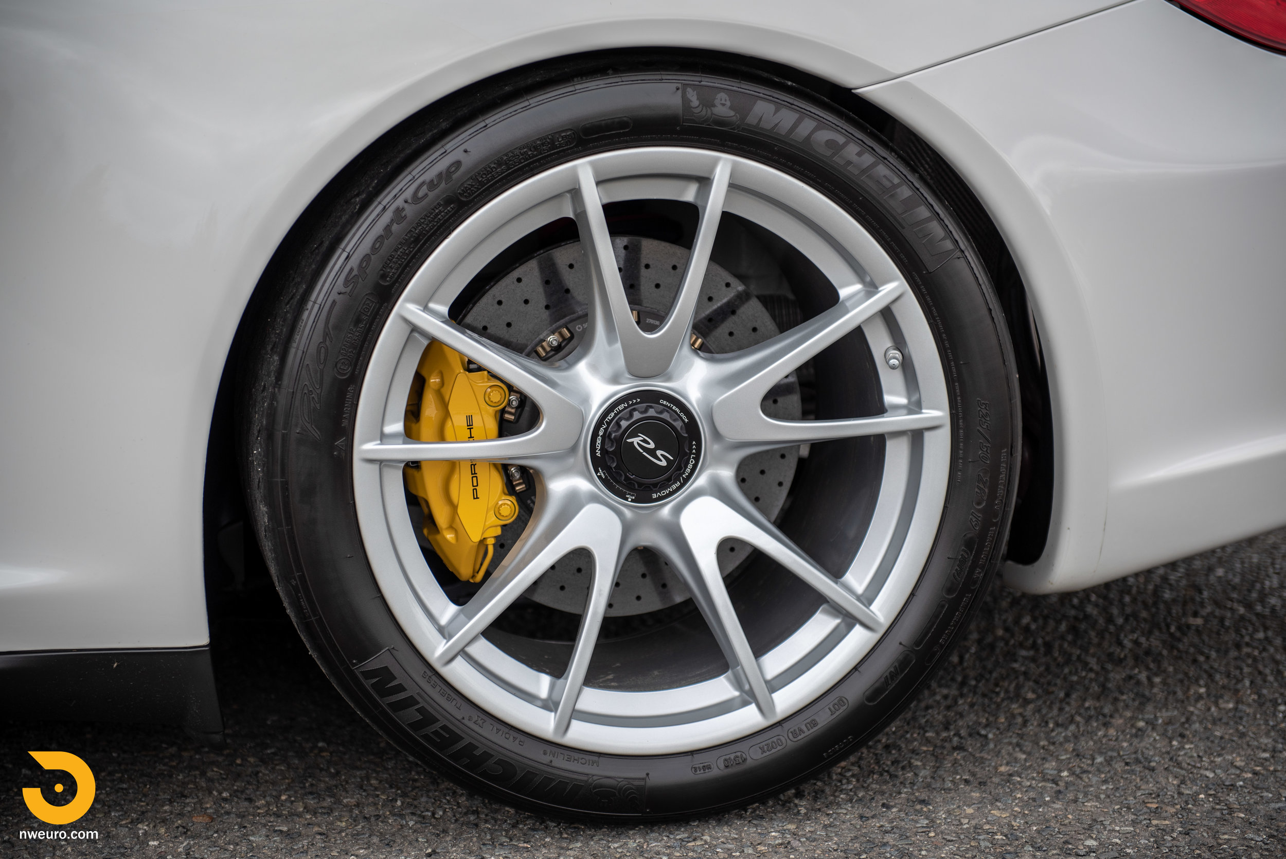 2011 Porsche GT3 RS-51.jpg