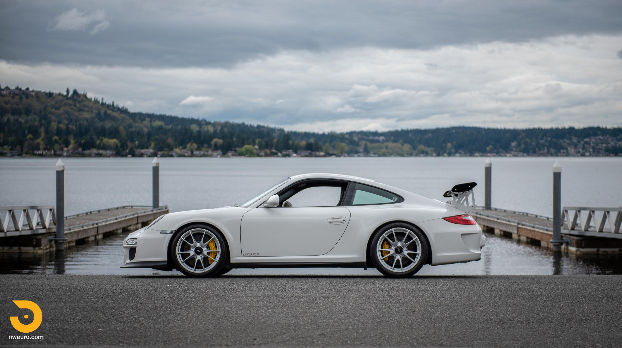 2011 Porsche GT3 RS-53.jpg