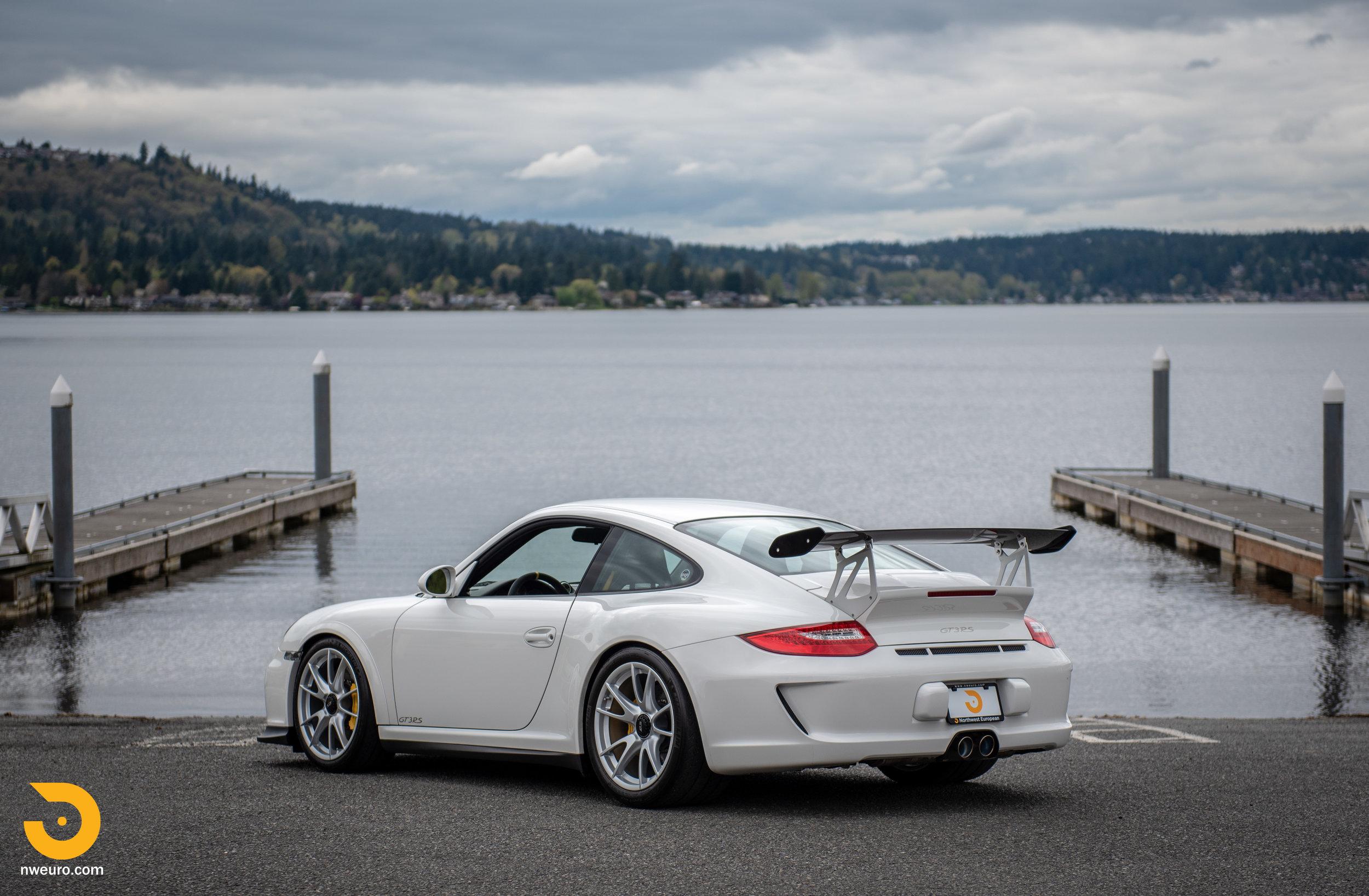 2011 Porsche GT3 RS-55.jpg