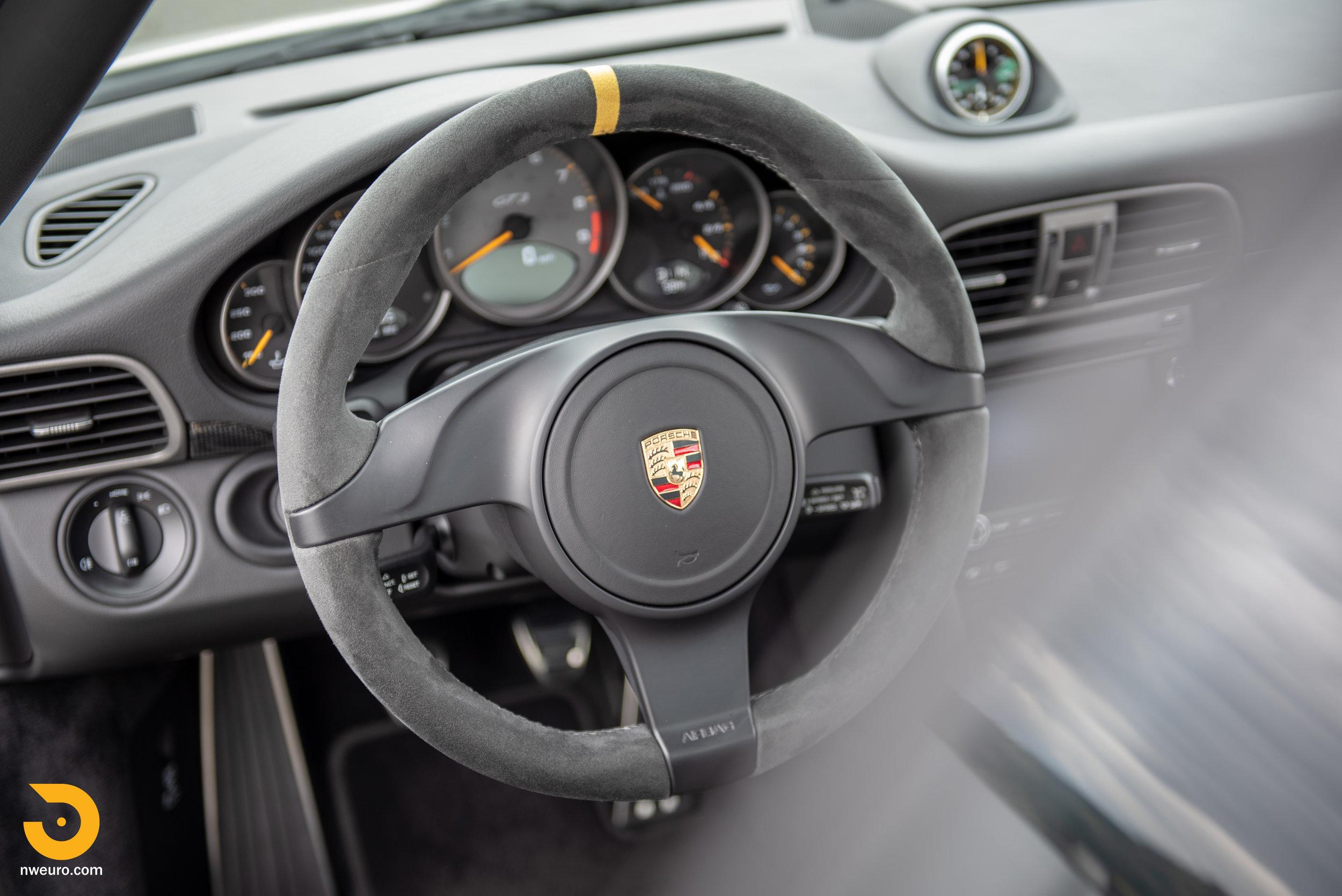 2011 Porsche GT3 RS-61.jpg