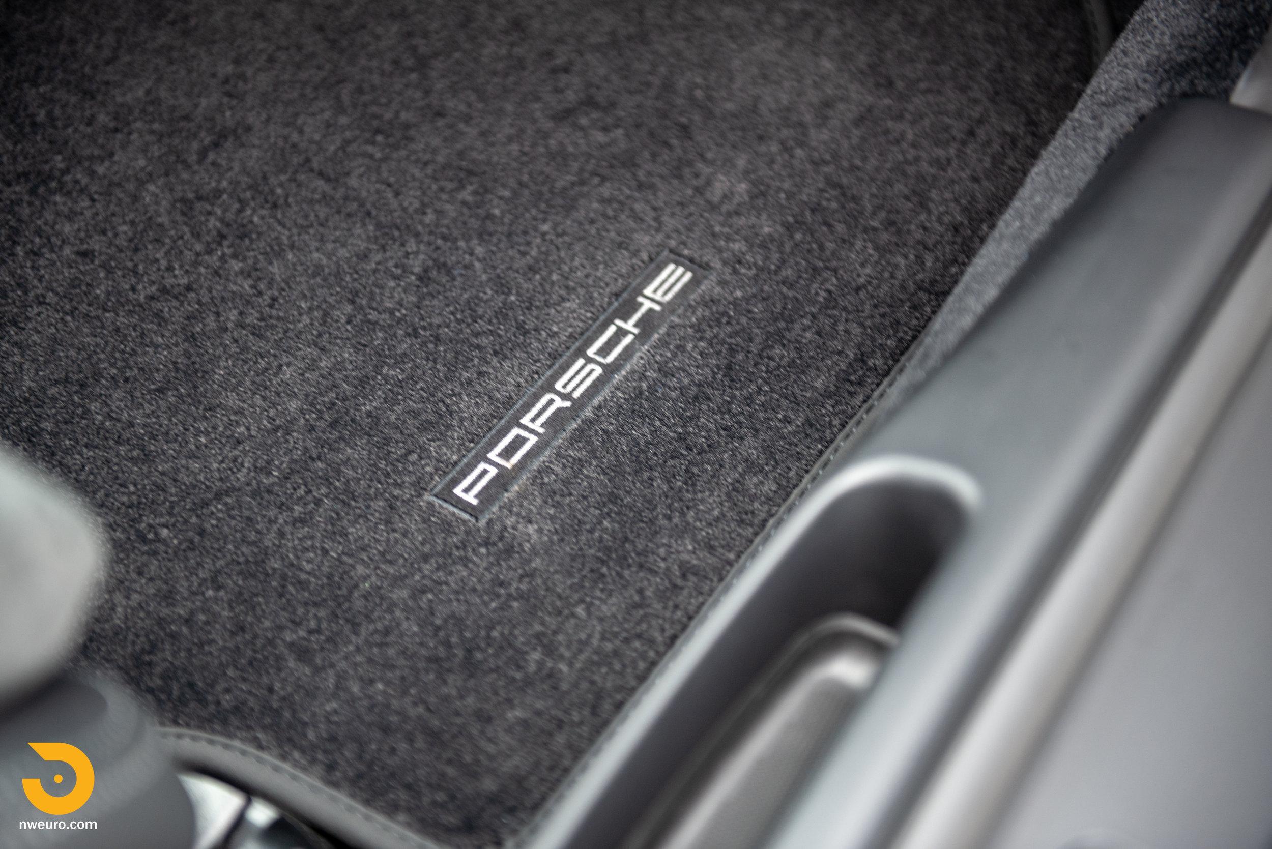 2011 Porsche GT3 RS-69.jpg