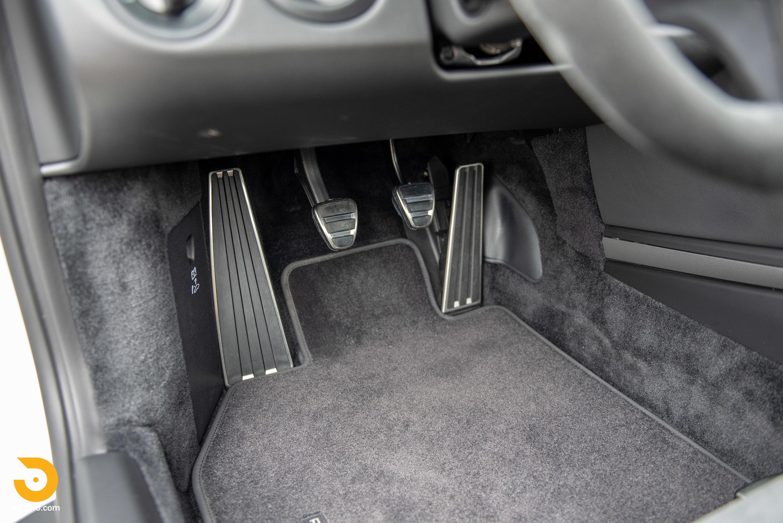 2011 Porsche GT3 RS-73.jpg