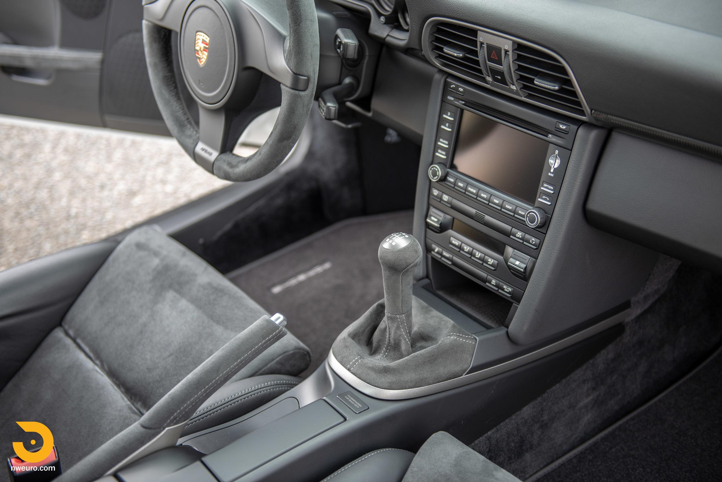 2011 Porsche GT3 RS-79.jpg