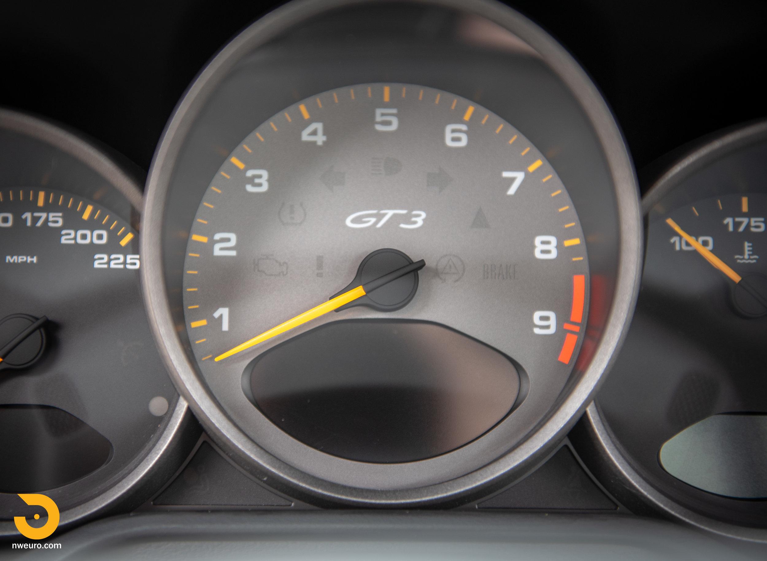 2011 Porsche GT3 RS-81.jpg