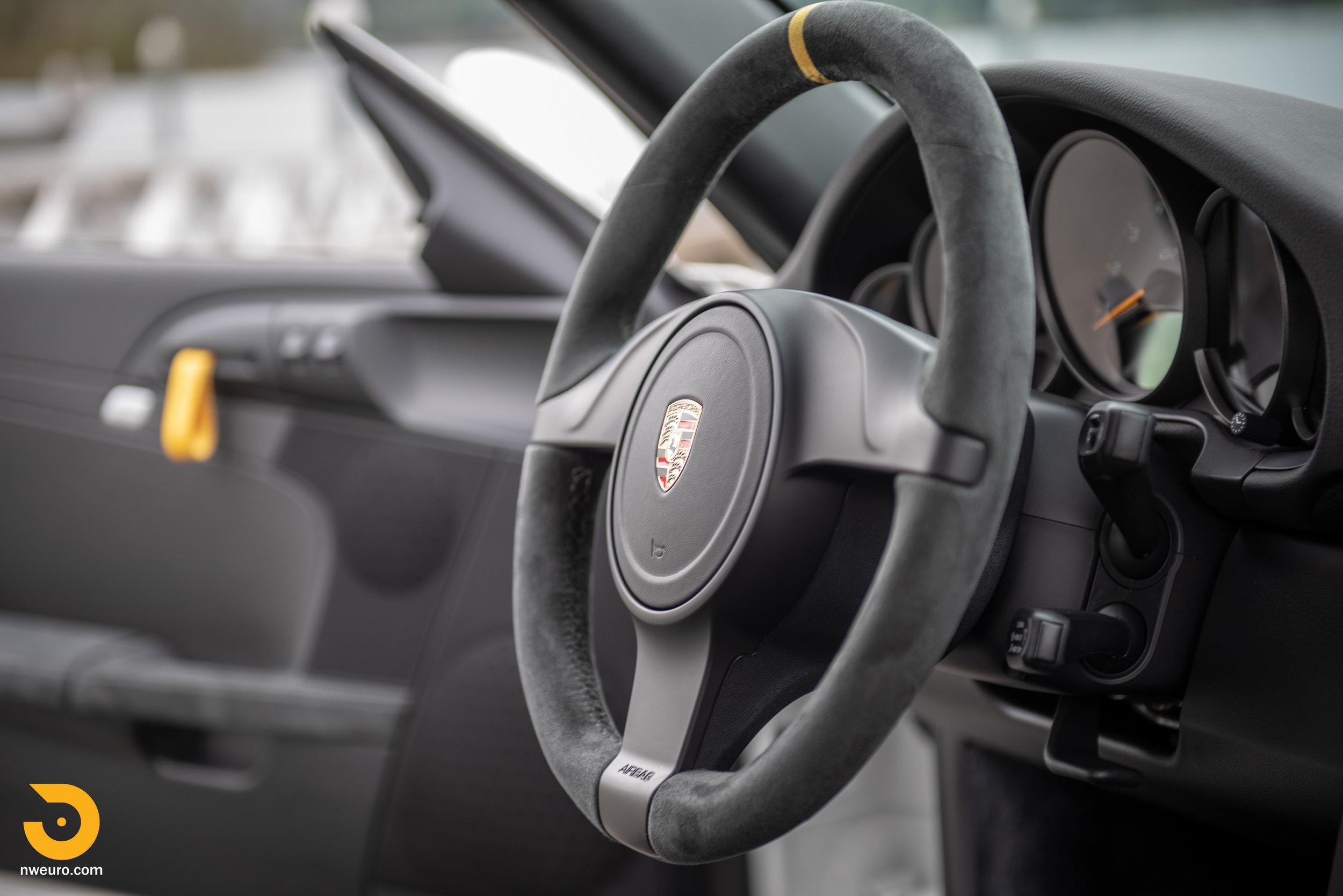 2011 Porsche GT3 RS-90.jpg