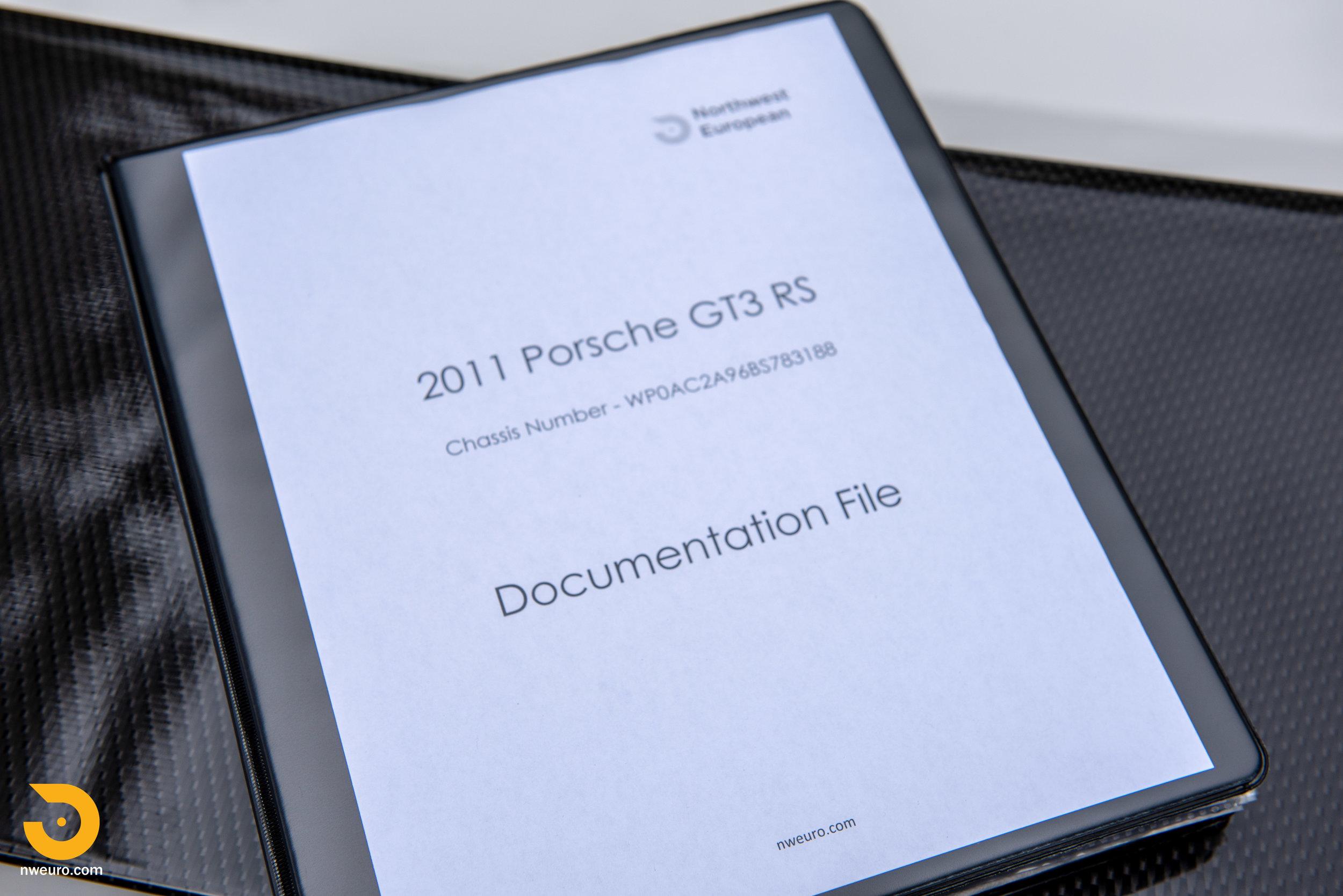 2011 Porsche GT3 RS-97.jpg