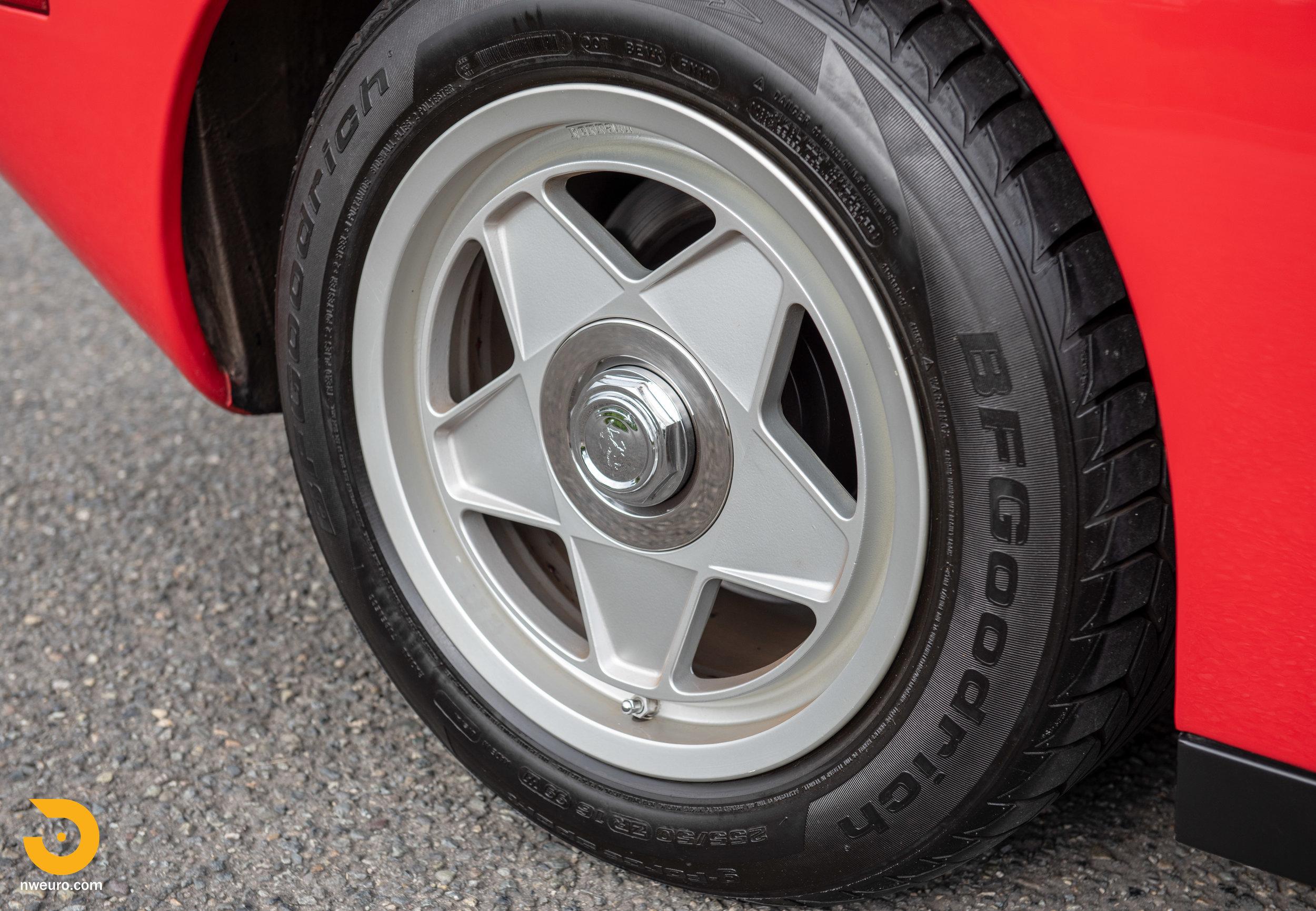 1988 Ferrari Testarossa-2.jpg