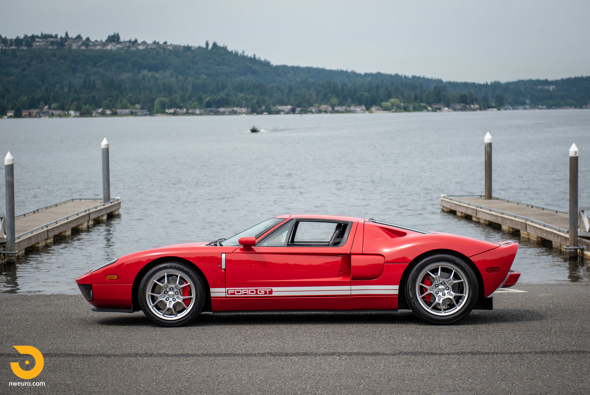 2005 Ford GT Red-6.jpg