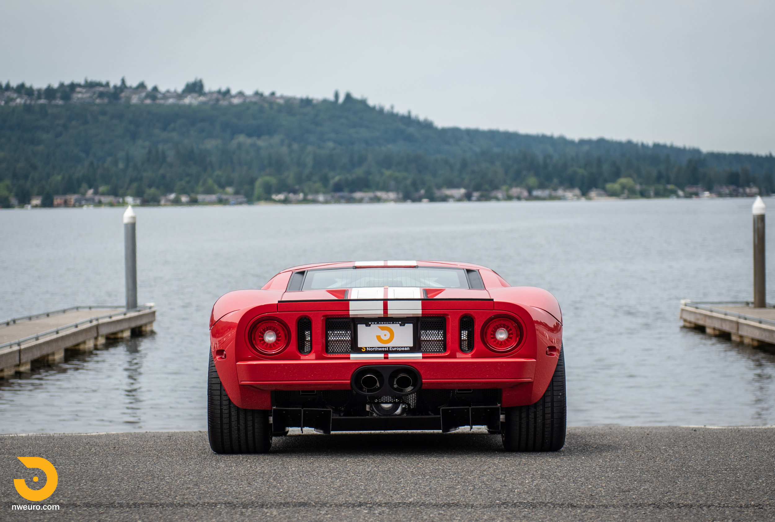 2005 Ford GT Red-10.jpg