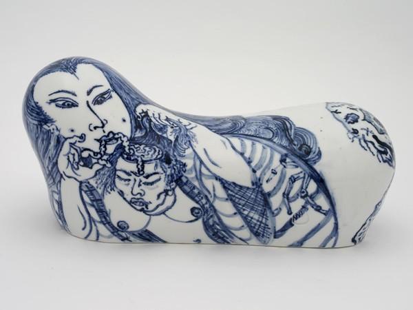 Shin Koyama, Pillow #5, hand painted ceramic, 35 x 17 x 15 cm