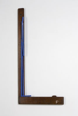 Stephen Hart, Frank Squared (2008), carved and polychromed timber, 108 x 50cm