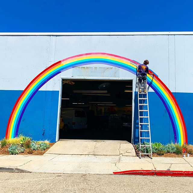 There's always a ribbon in the sky when you're in Berkeley🌈 . . . #berkeley #rainbow #rainbowmural #berkeleymurals #murals #bezerkeley #keepberkeleyweird #carrepair #autorepair #sanpabloave #california #berkeleyca #pride🌈 #berkeleypride #ribboninthesky #steviewonder