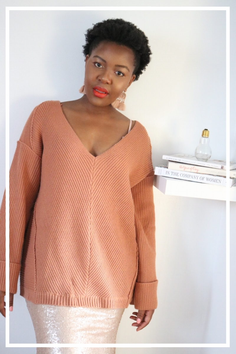 How to Wear an Oversized Sweater?