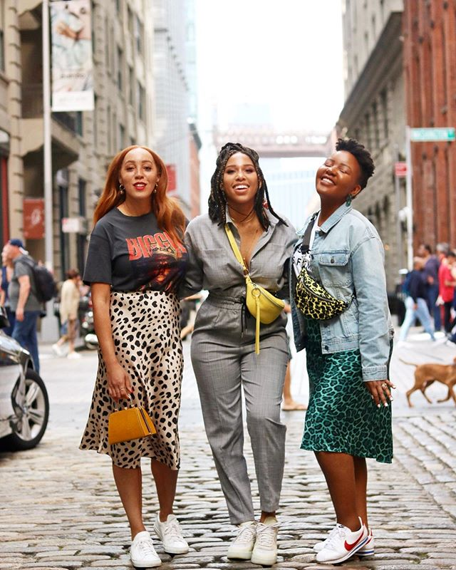 "👸🏽👸🏻👸🏾— 'Celebrate Her Success Without Questioning Your Own!"" There is nothing more powerful than women support omg other women! Go ahead Queens Felicia of @simplyherfav and Chantelle of @lovechauntie — — I can't wait to recap #NYFW for ya'll! It was a magical experience this time around. This weekend I went for a women's overnight retreat which was MAGIC✨💫 I made a vision board as part of a communal event and it was AMAZING! I can't wait to talk about it at @fashionbeautybusiness cocktail event this Thursday! See you there babes! — — #dumbobrooklyn #nyfwss20 #brownskingirls #browngirlblogs #blackbloggersunited #ctblogger #ctbloggerbabes"