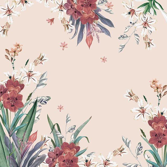 Floral arranging 🍂 - - - #textilestudio #textileshop #floralarrangements #printandpattern #vintageflorals #patterndesign