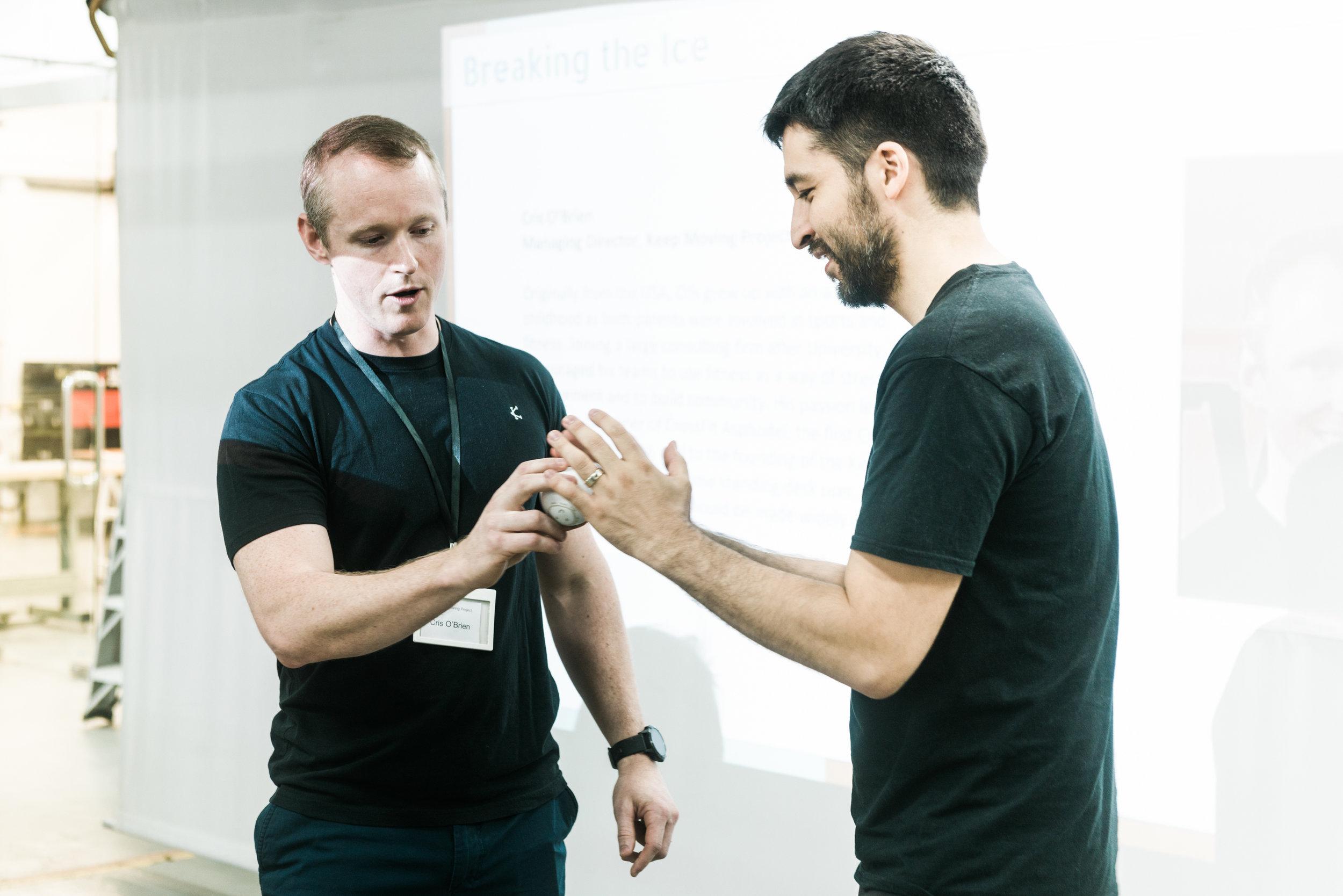 Co-Founder & Managing Director / Cris O'Brien (Left) , Maker Bay Director Corporation / Cesar Jung Harada ( Right )