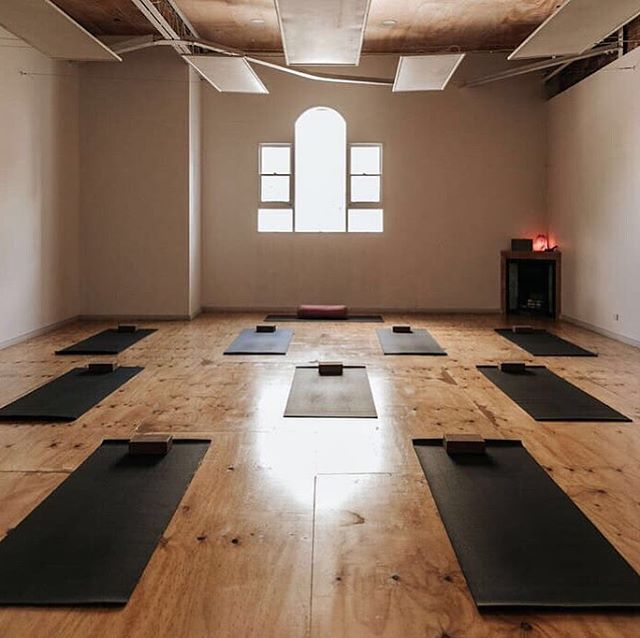 This October I'll be running a Vedic Meditation course at the beautiful @_EveStudio_ Preston. I feel so honoured to have this opportunity, as Eve is very dear to my heart. I've been going to Eve (on and off if I'm being really honest), for a number of years now.⠀ ⠀ Their mission is very much aligned to what we do here at Leading Beings – helping people be their best. They've helped me do things I couldn't have imagined. Like do yoga six days a week for a month!⠀ ⠀ If you are interested in joining the course and missed the Eve intro talk, you can arrange a one-on-one intro call with me (Kate) via the link in our bio. We'll chat about:⠀ + The technique itself and what's involved⠀ + How it differs from other types of meditation⠀ + A bit about the structure of the course⠀ + What the course fee includes⠀ + Any questions you might have. ⠀ ⠀ It's all about helping you understand if Vedic Meditation is right for you. And you don't need to be an Eve member to join. ⠀ ⠀ (This course is for women only. Trans & non-binary women welcome.)⠀ ⠀ I also have new courses up on the website for October and November. Check 'em out!⠀ ⠀ Oh and if I've caught you in your way out the door and would like me to send you a reminder about this. Just pop a🙏🏻 emoji in the comments and I'll shoot you a DM in a day or so. ⠀ ⠀ Photo Credit: @_evestudio_