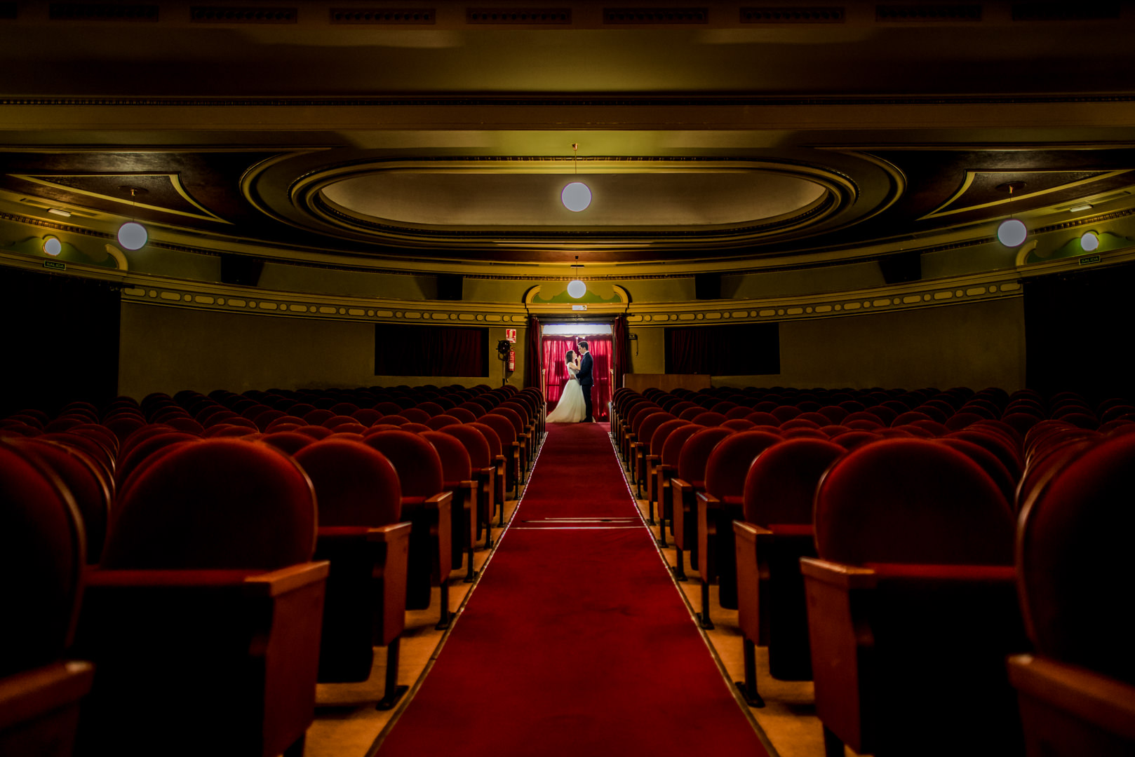 Postboda-Teatro-Cerezo-Carmona-engagement-Rafael-Torres-fotografo-bodas-sevilla-madrid-barcelona-wedding-photographer--2.jpg