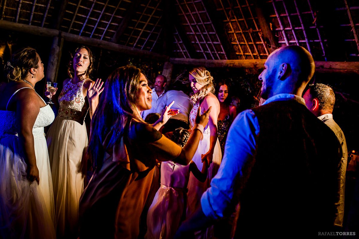 wedding-seville-hacienda-san-rafael-photographer-rafael-torres-bride-groom-61.jpg