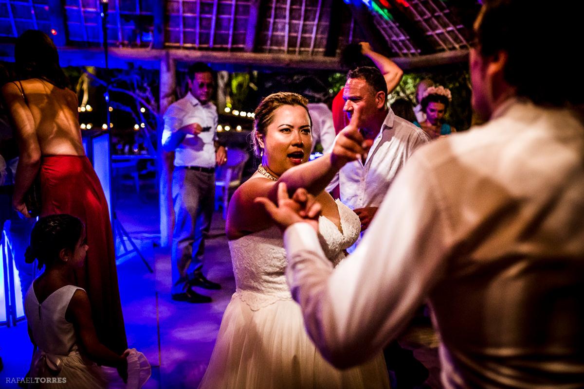 wedding-seville-hacienda-san-rafael-photographer-rafael-torres-bride-groom-12-2.jpg
