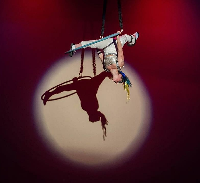 SOLO AERIAL ACTS