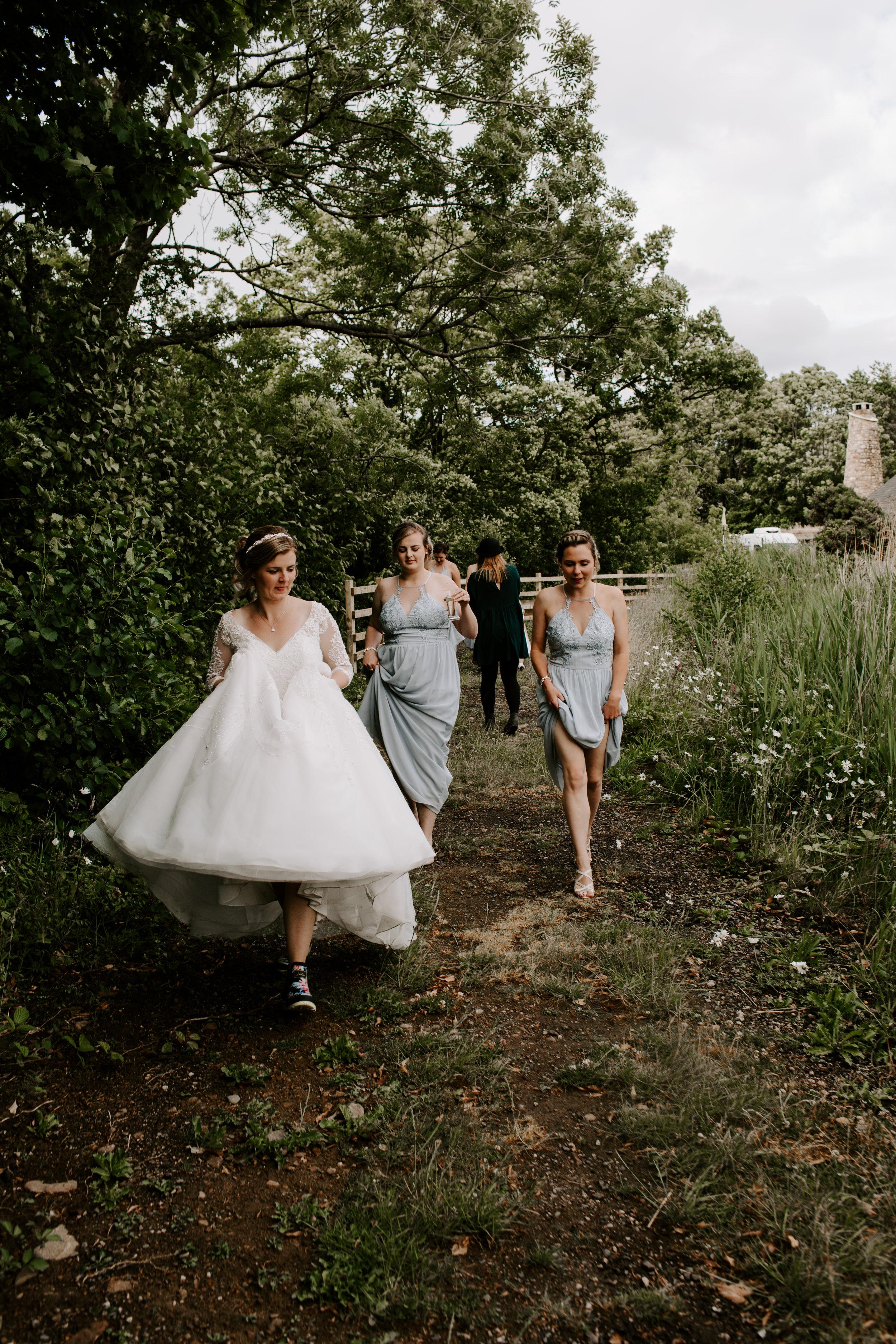 outdoors-wedding-photography.jpg