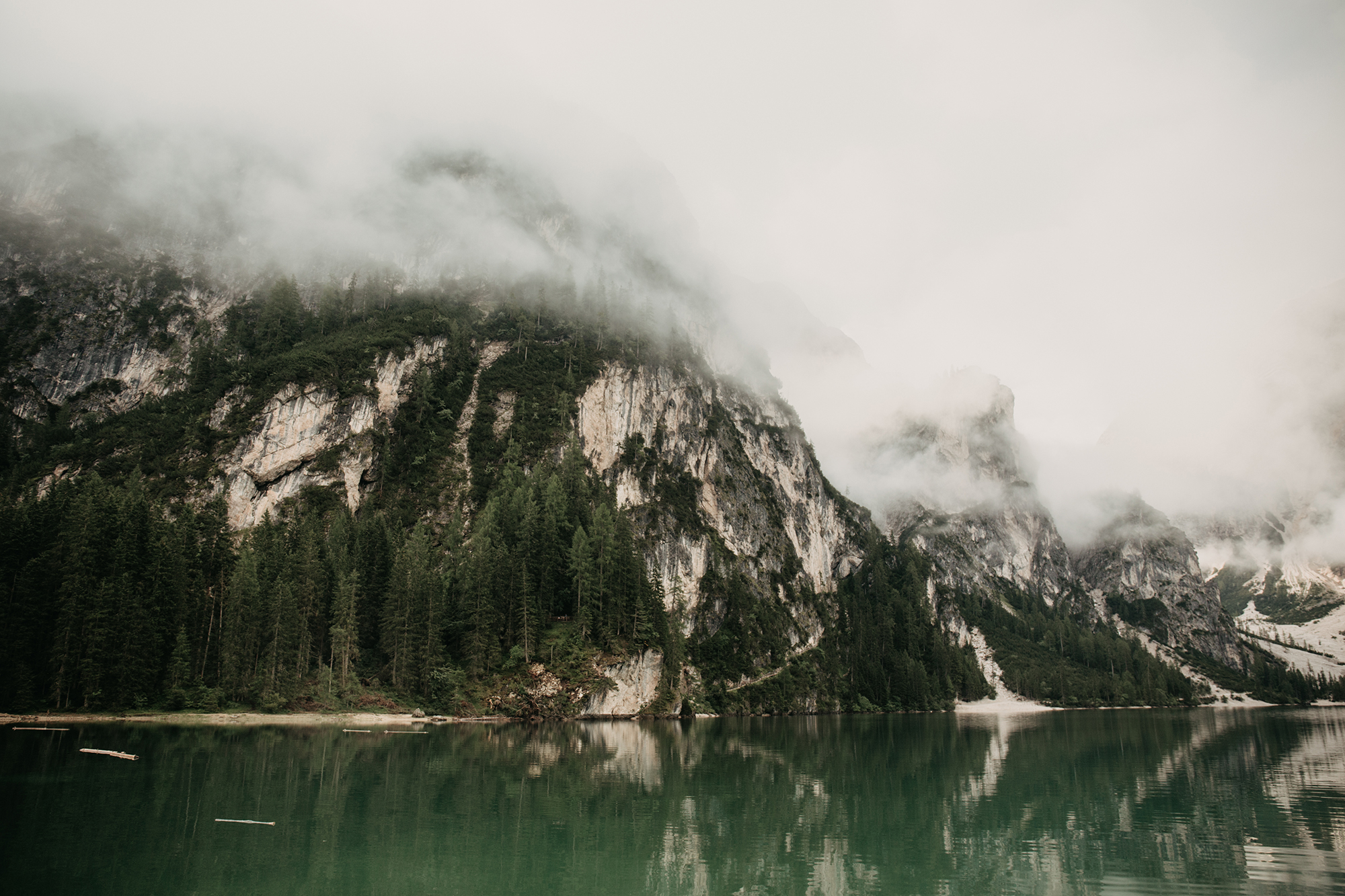 destination wedding photographer - Lake Prags