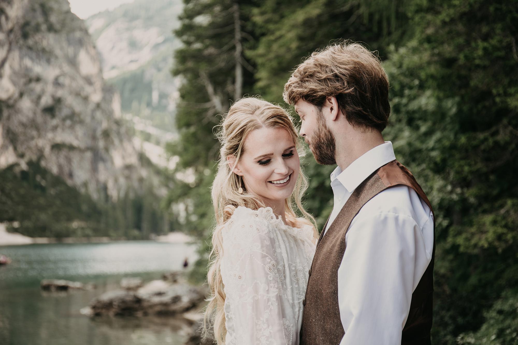 Pragser Wildsee couple shoot
