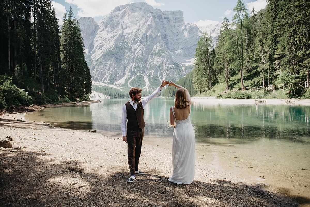 lago-di-braies-elopement-photographer