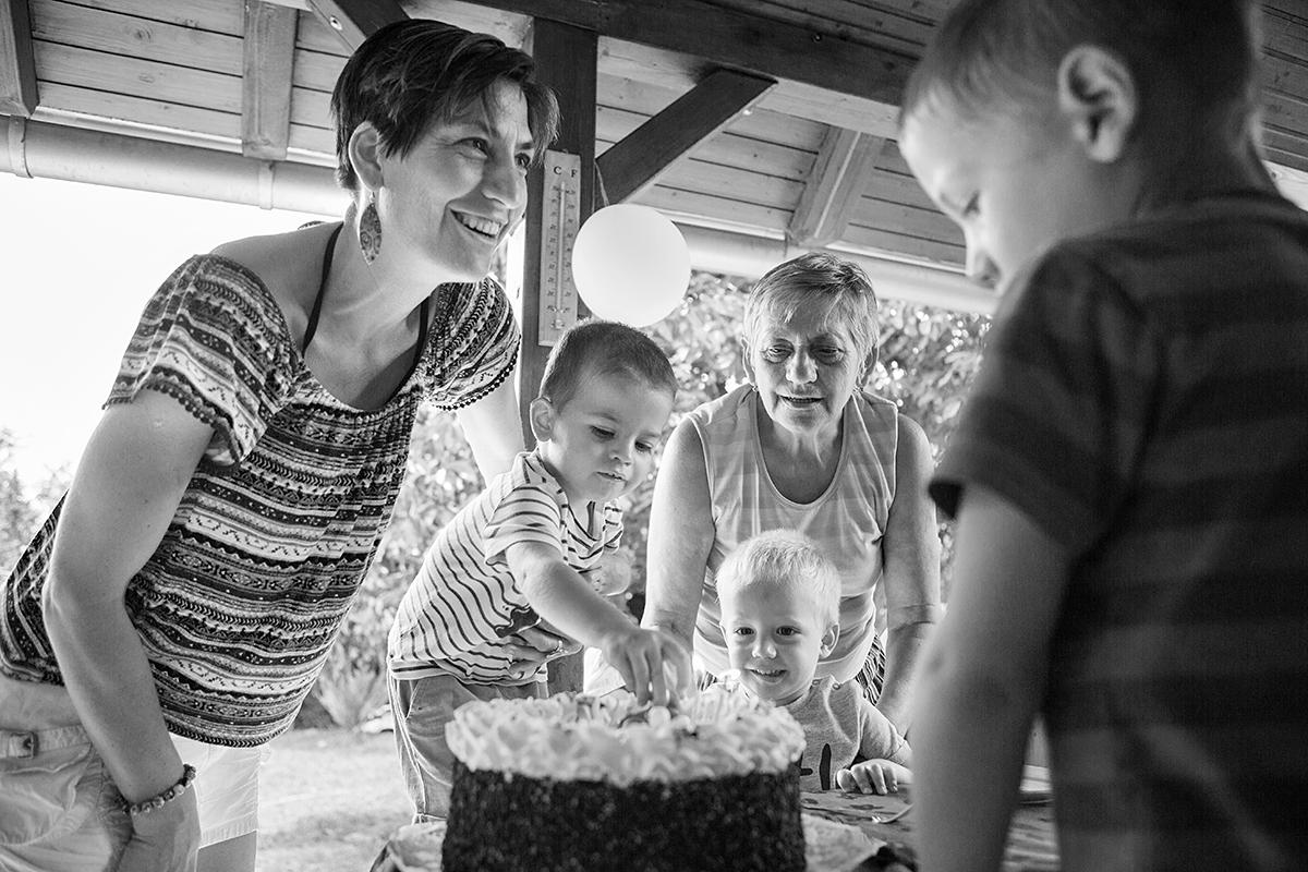 Alexandros 2 éves lett,családi fotózás, család, Pécs, gyerekfotó