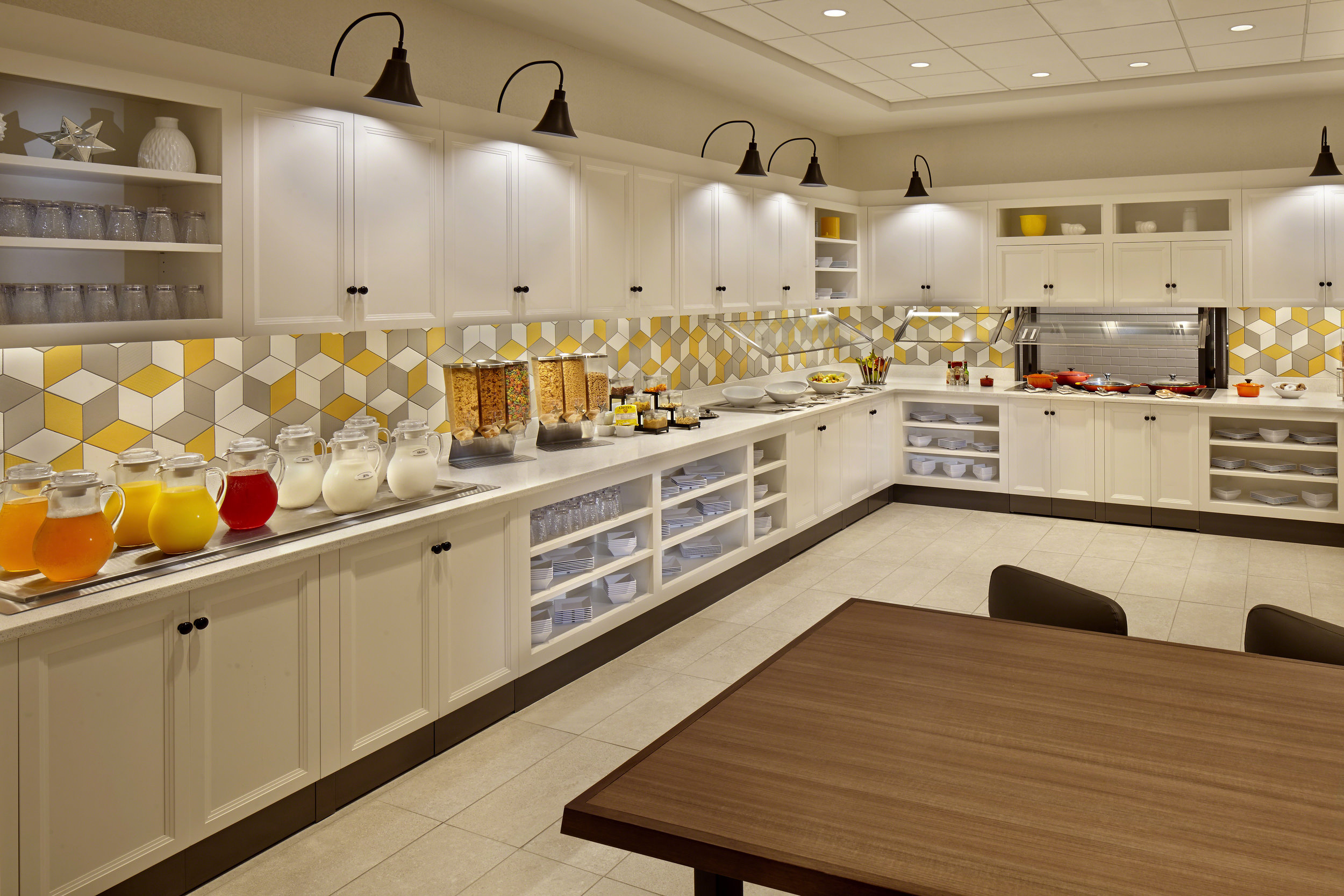 Hyatt_Place_Hotel_Warwick_7_18_k_breakfast-60mb.jpg