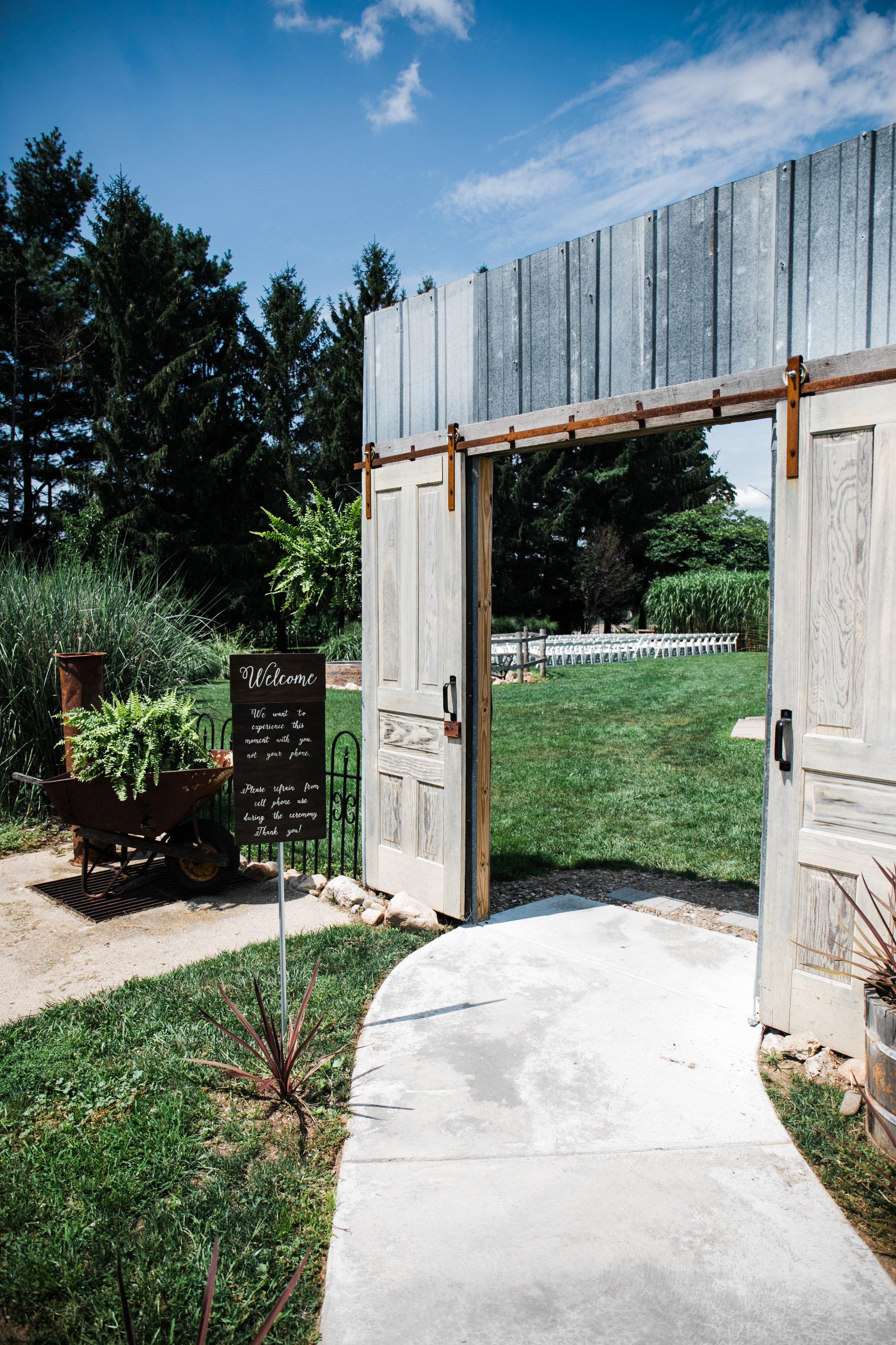Res Les Farms Wedding Venue | East Leroy, Michigan | Rustic Wedding Venue
