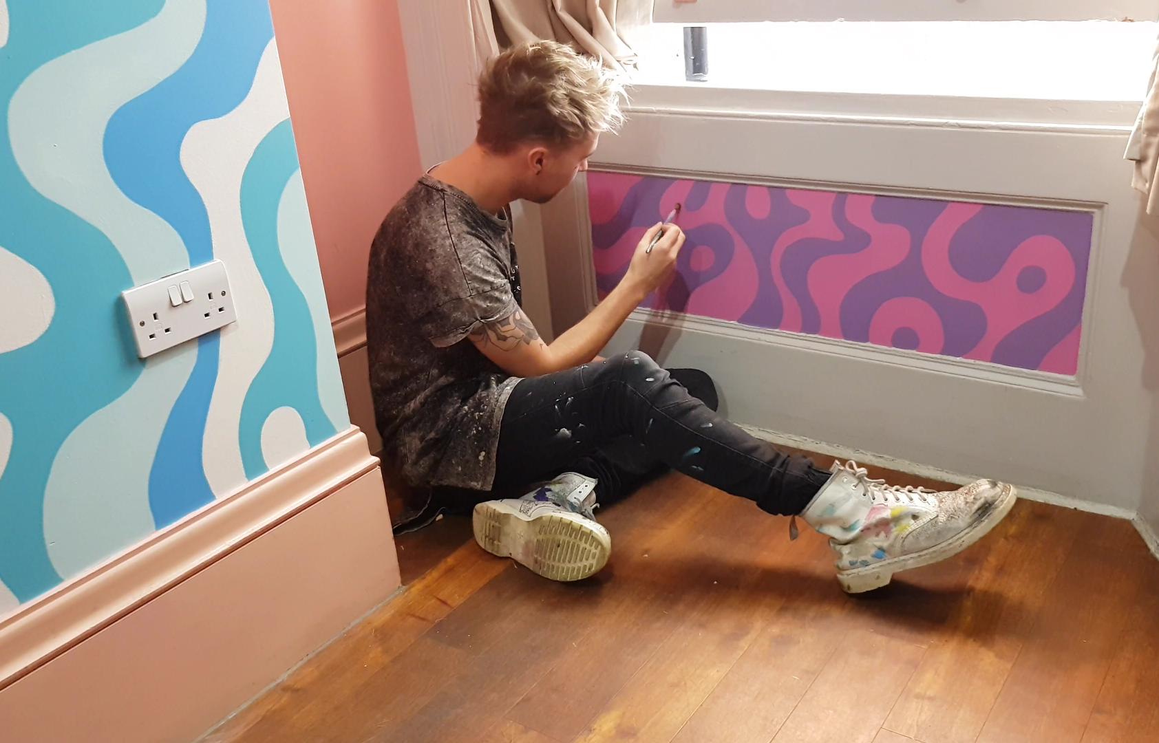 AZZURRO in London, painting for Clink78 Hostel. Nov 2017.