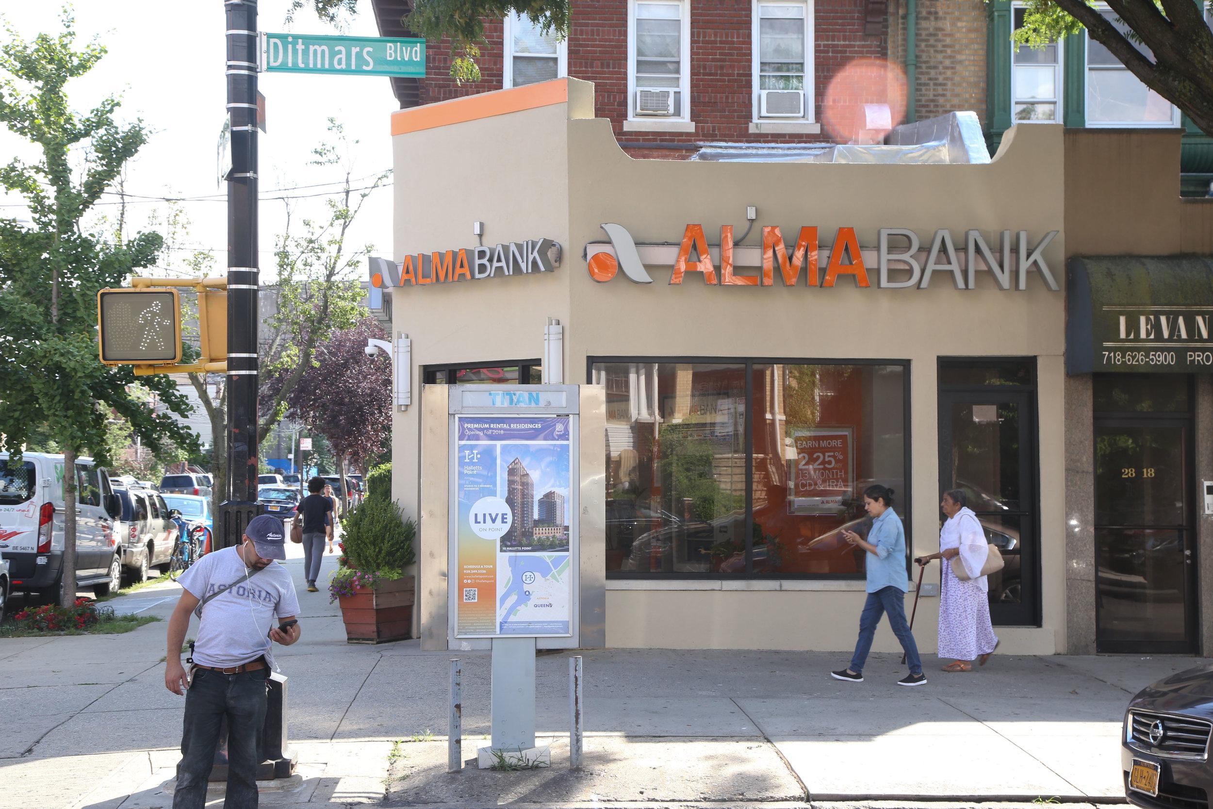 New York_Kiosk_Phone Kiosk _21821366_1028011 copy.jpg