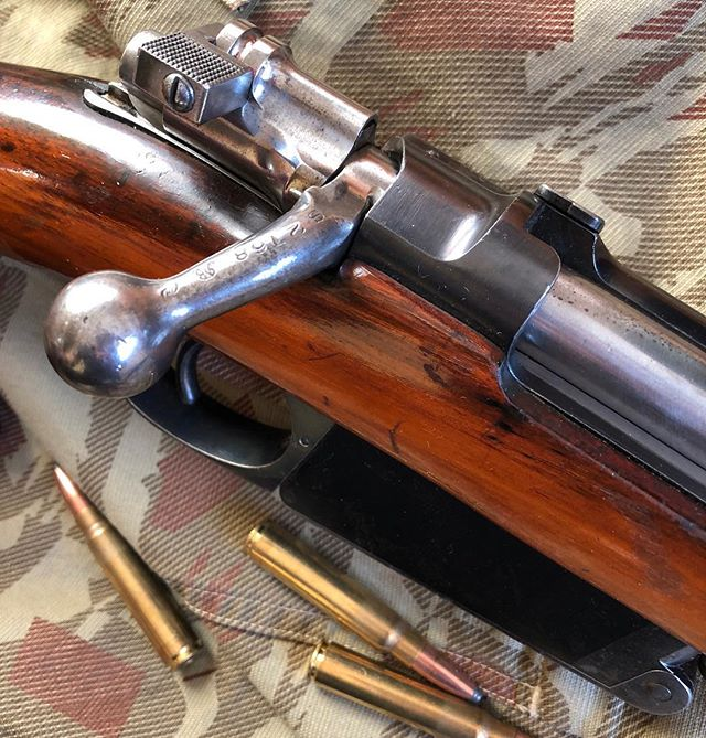 MAUSER MODELO ARGENTINO 1891 I always admire the machine work and craftsmanship of old pieces like this. #mauser #boltaction #hunting  #gunporn #2ndammendment #everydaycarry #2a #pewpewlife #igmilitia #weaponsdaily #gunsdaily #edc #gunchannels