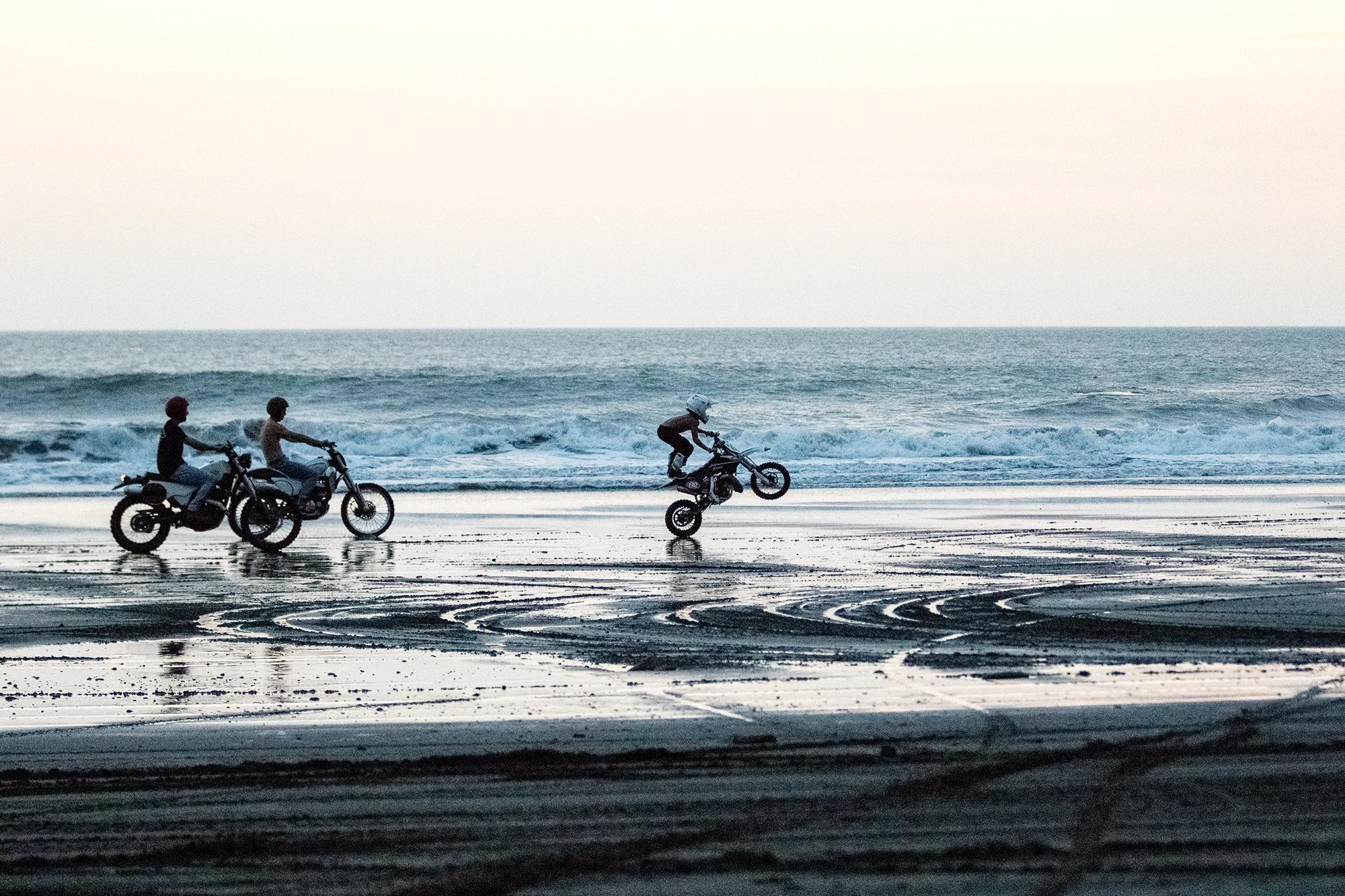 Kelana_Beach003.jpg