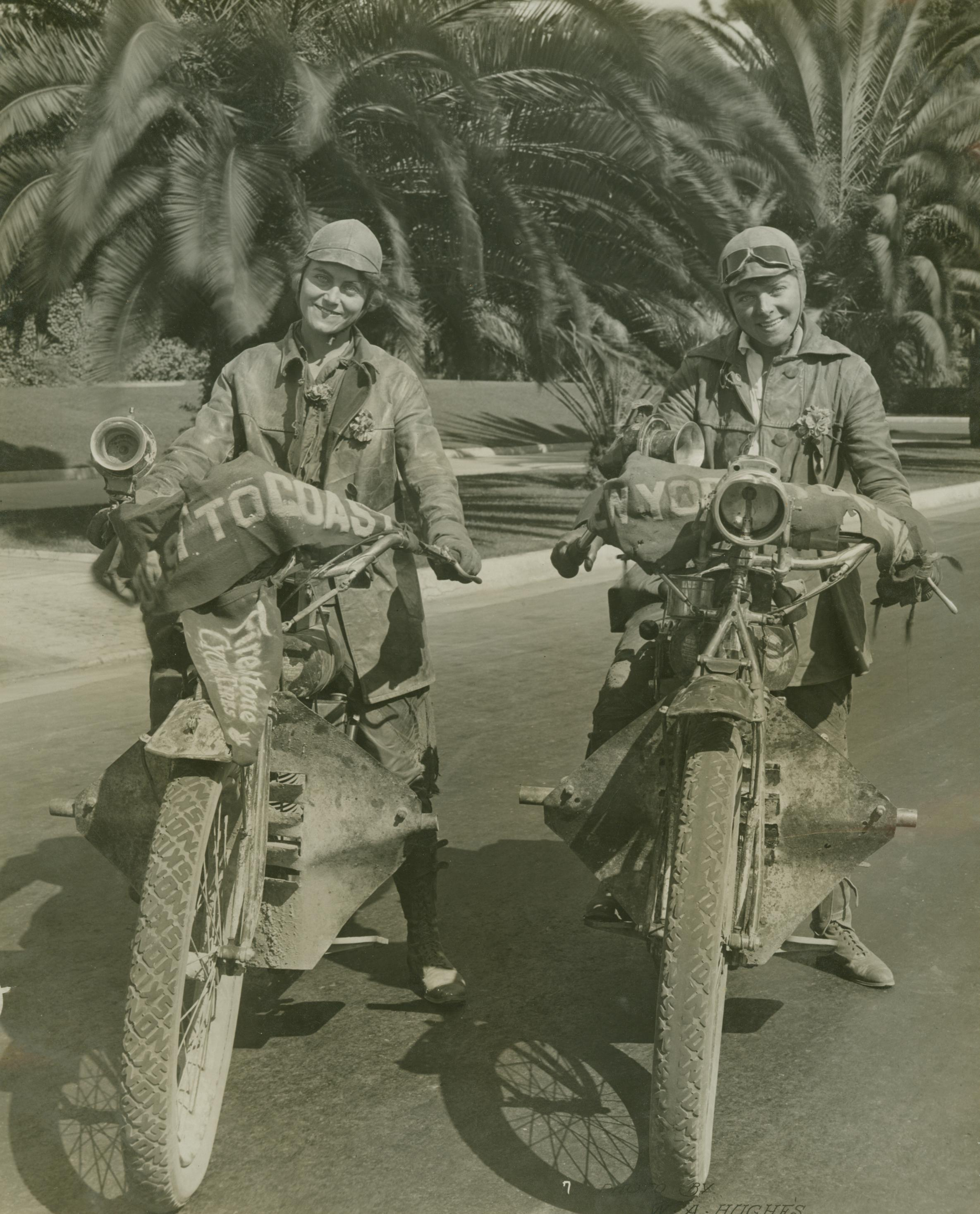 G&Afrontviewonbikes.jpg