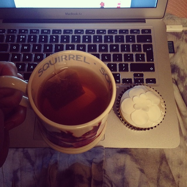 Catching up on a bit of blogging with a cup of @pukkaherbs #Love tea in my @emmabridgewater squirrel mug and an @enchanting_cake from my @nationalwedding show goodie bag.   This bride-to-be better watch her waistline…