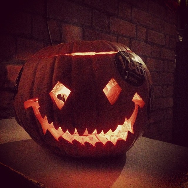 I carved a pumpkin and popped it on the porch.