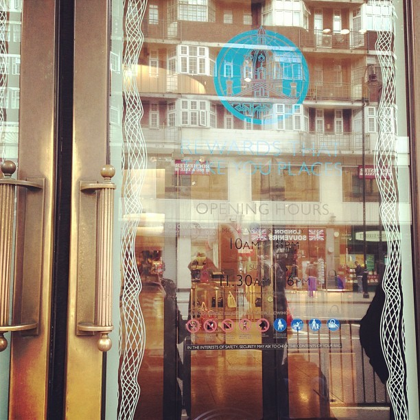 Queuing up outside @harrods @ur_harrods waiting to go in for my @gazellicosmetic facial appointment. I've been looking forward to this!