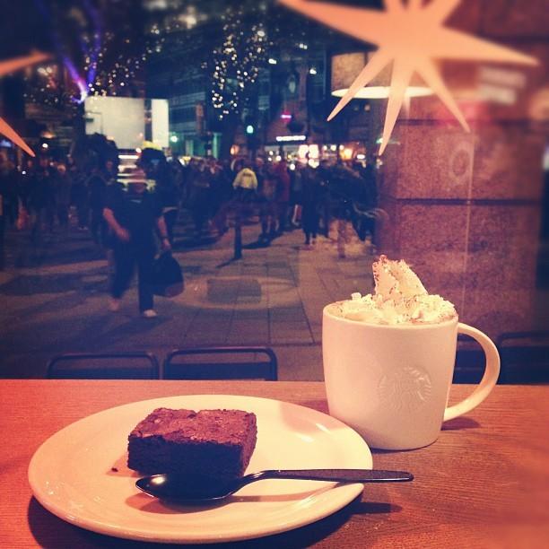 Tuesday night #Chocolate Fix @starbucks. #becauseagirlmust #mmm #curesallails #photo
