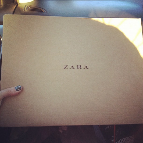 Yeahhhhh it is!!! Hello @zaraclothes @zara! #whatsinthebox #aw12 #birthdaypresentfrommyself #fashion #style #blogger #photo  (Taken with  Instagram )