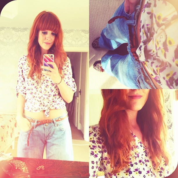 #todayimwearing my 'eurgh-packing-up-our-life' outfit. An old floral @nextofficial ditsy print blouse & wide-leg #Primark Denim jeans… #CBA #fashion #style #blogger #whattowear #inspiration #photo #me #girl #redhead #hair #print #fblogger #clothes #ootd #wiwt #instapic #outfit #whatiwore #igdaily  (Taken with  Instagram )