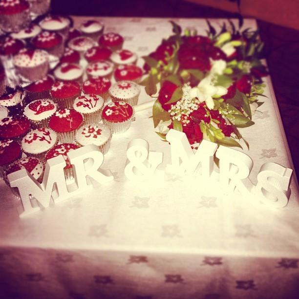 Aaw! Lovely bit of lettering Mr & Mrs Statham. #wedding #flowers #photo  (Taken with  Instagram )