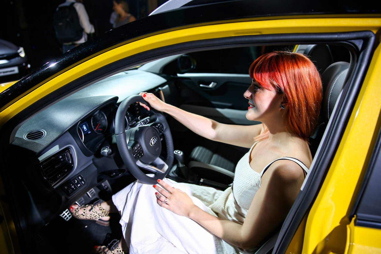 Lucie Loves Cars Kia Stonic 10.jpg