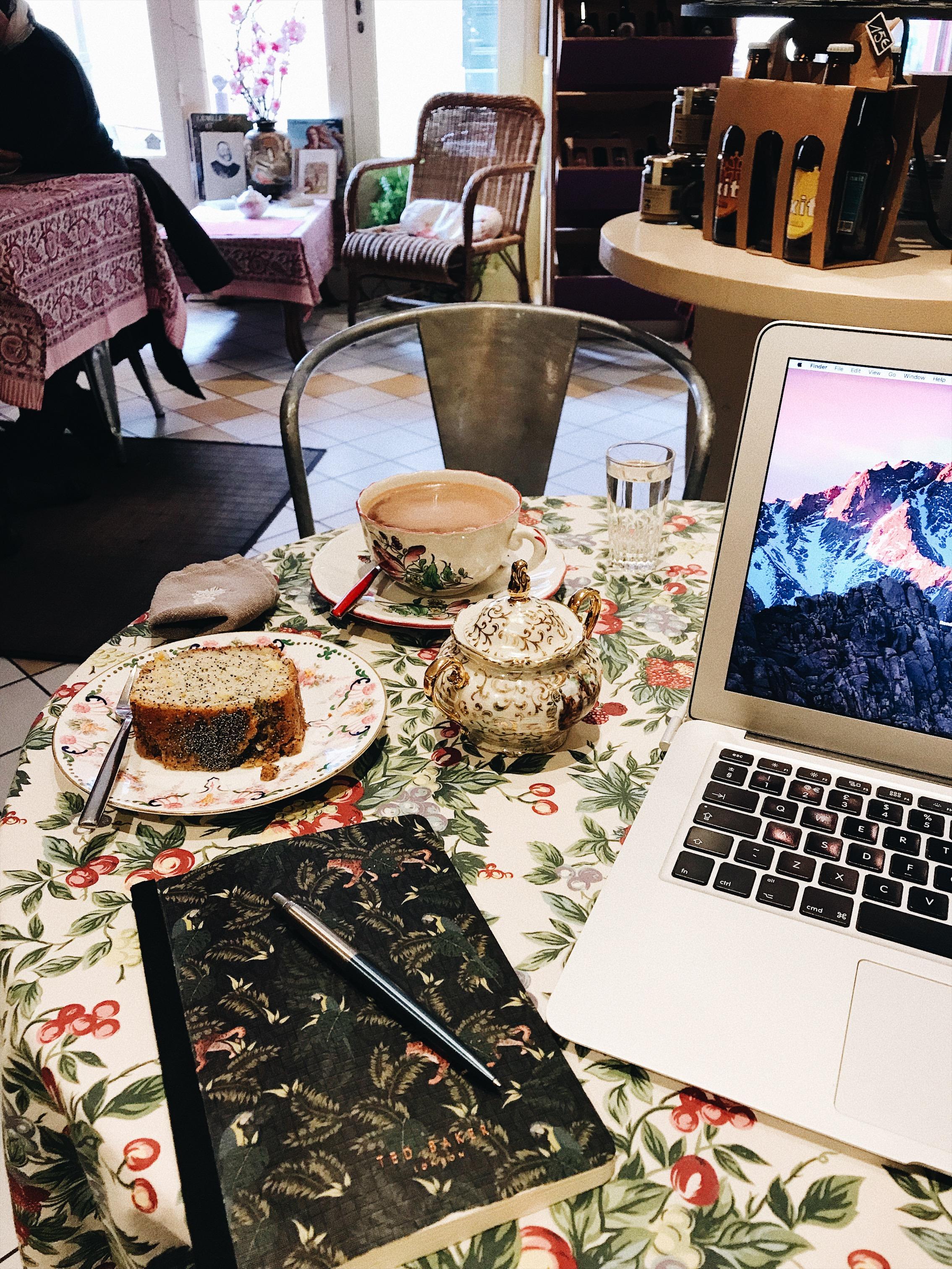 Hot chocolate and lemon cake at the Saveurs de l'Autan cafe in Mazamet